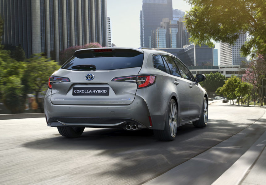 toyota-corolla-touring-sports
